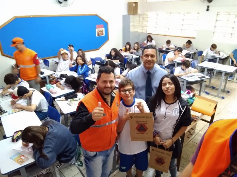 Defesa Civil lança programa sobre prevenção de acidentes para estudantes