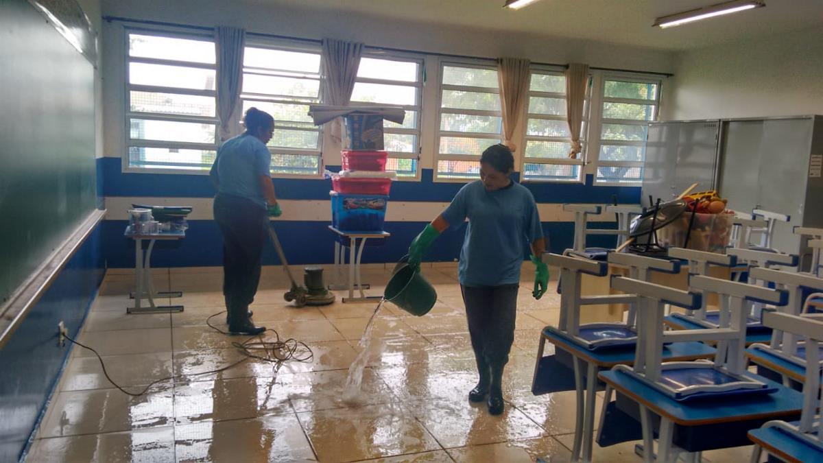 Prefeitura inicia limpeza das creches, EMEI's e escolas municipais