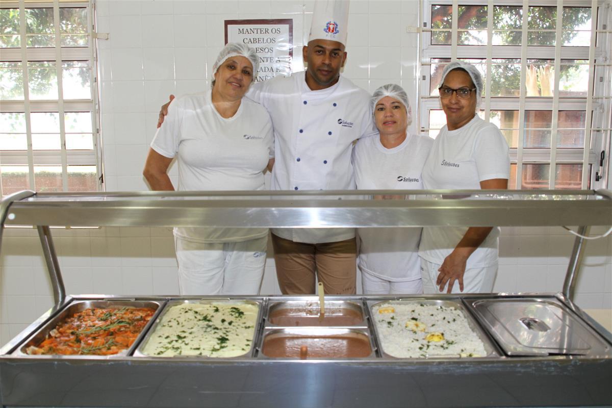 Cozinheiras de CEMEP e ETEP passam por treinamento
