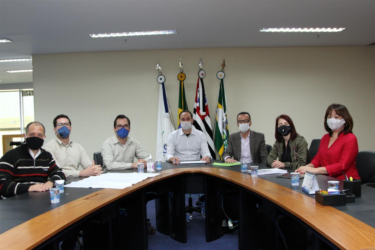 Prefeitura assina termo de cooperação com Estre para revitalização do bosquinho