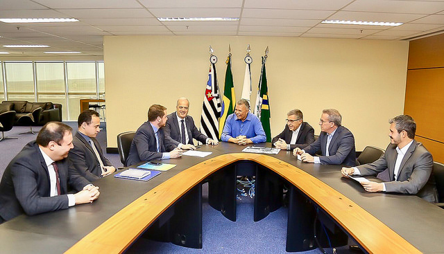 Prefeitura e Caixa assinam convênio para construção de  área